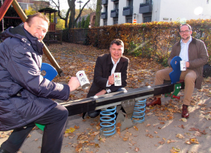 "v.l.n.r. ZIN-Vorsitzender Christoph Napp-Saarbourg, Jörg Geerlings und Thomas Kaumanns (beide ""Nüsser Pänz"")"